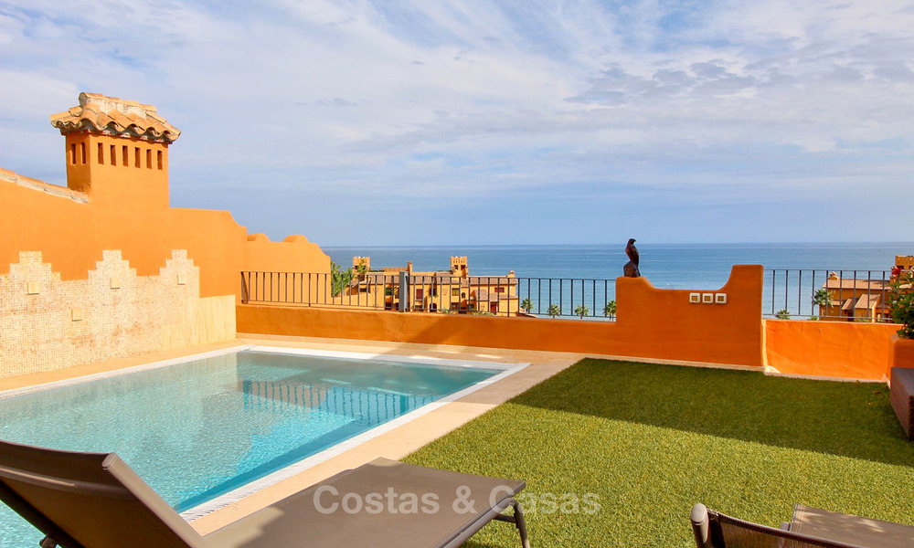 Spectacular penthouse with a private pool in a luxury complex for sale, front line beach – New Golden Mile, Marbella - Estepona 9102