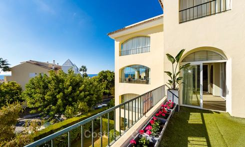 Very spacious 4 bedrooms beachside apartment with sea views for sale, in a prestigious urbanisation, East Marbella 9140