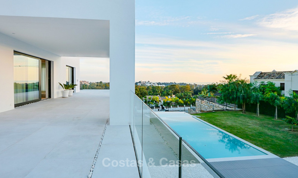 Urgent sale! Amazing contemporary luxury villa with golf and sea views for sale, sought after location, ready to move in - Benahavis, Marbella 9316
