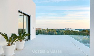 Urgent sale! Amazing contemporary luxury villa with golf and sea views for sale, sought after location, ready to move in - Benahavis, Marbella 9317