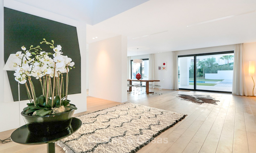 Urgent sale! Amazing contemporary luxury villa with golf and sea views for sale, sought after location, ready to move in - Benahavis, Marbella 9341