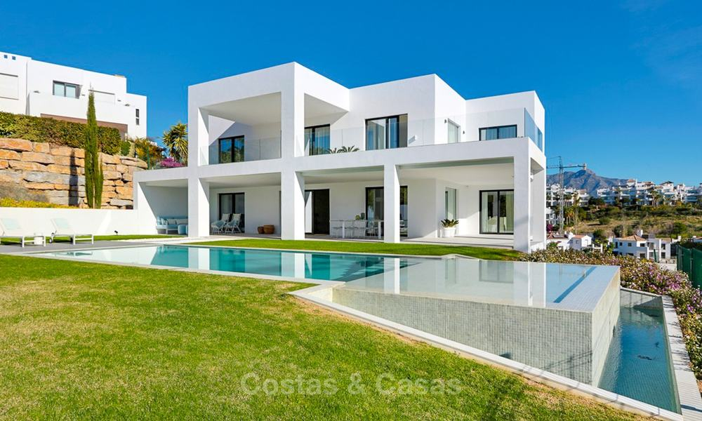 Urgent sale! Amazing contemporary luxury villa with golf and sea views for sale, sought after location, ready to move in - Benahavis, Marbella 9345
