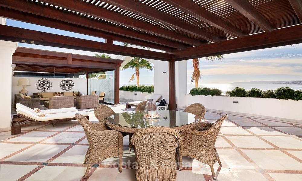 Exclusive and luxurious beachfront penthouse apartment for sale in Estepona, Costa del Sol 9350
