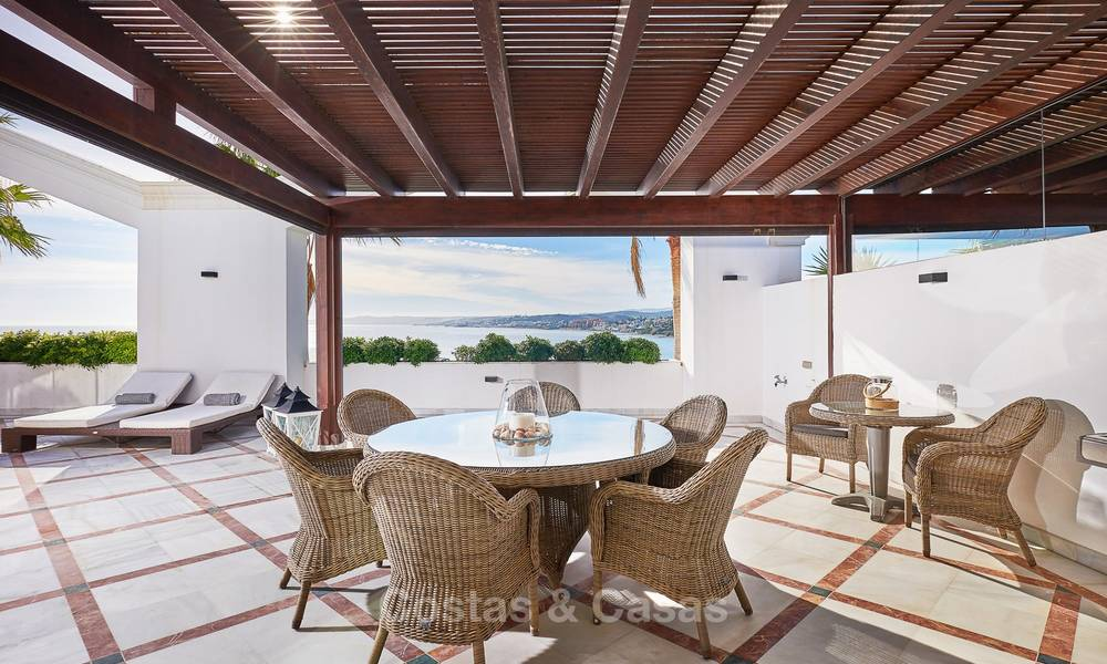 Exclusive and luxurious beachfront penthouse apartment for sale in Estepona, Costa del Sol 9351