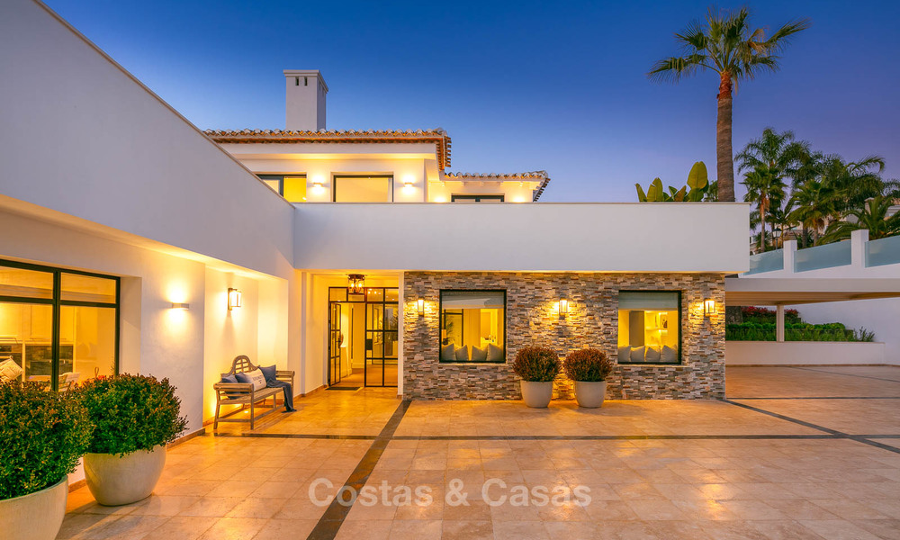 Prestigious renovated luxury villa for sale, front line golf, Nueva Andalucía, Marbella 9450