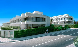 Gorgeous new modern townhouses for sale, within walking distance of the beach and amenities in Fuengirola, Costa del Sol. Last units! 9490