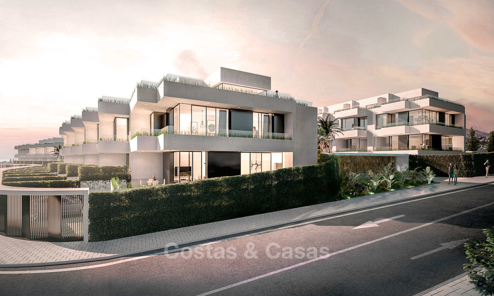 Gorgeous new modern townhouses for sale, within walking distance of the beach and amenities in Fuengirola, Costa del Sol. Last units! 9491