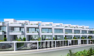 Gorgeous new modern townhouses for sale, within walking distance of the beach and amenities in Fuengirola, Costa del Sol. Last units! 9492