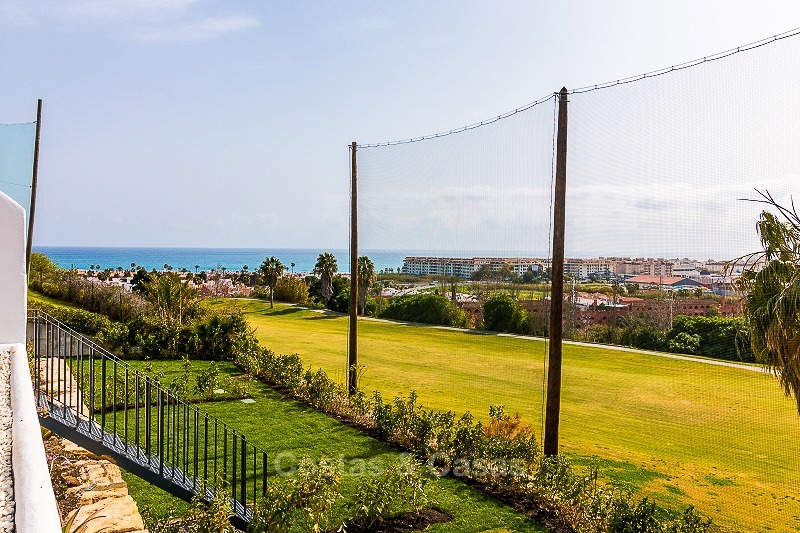 Ready to move into new frontline golf apartments for sale, with sea views and walking distance to the beach - Casares, Costa del Sol 10847