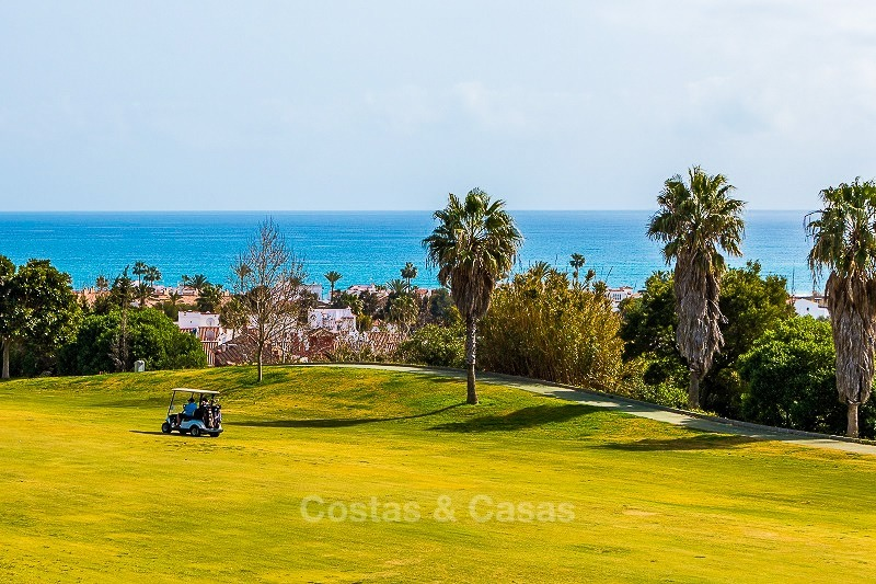 Ready to move into new frontline golf apartments for sale, with sea views and walking distance to the beach - Casares, Costa del Sol 10849