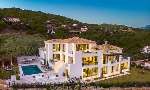 Sumptuous fully renovated villa with magnificent sea views for sale in El Madroñal, Benahavis - Marbella 10089