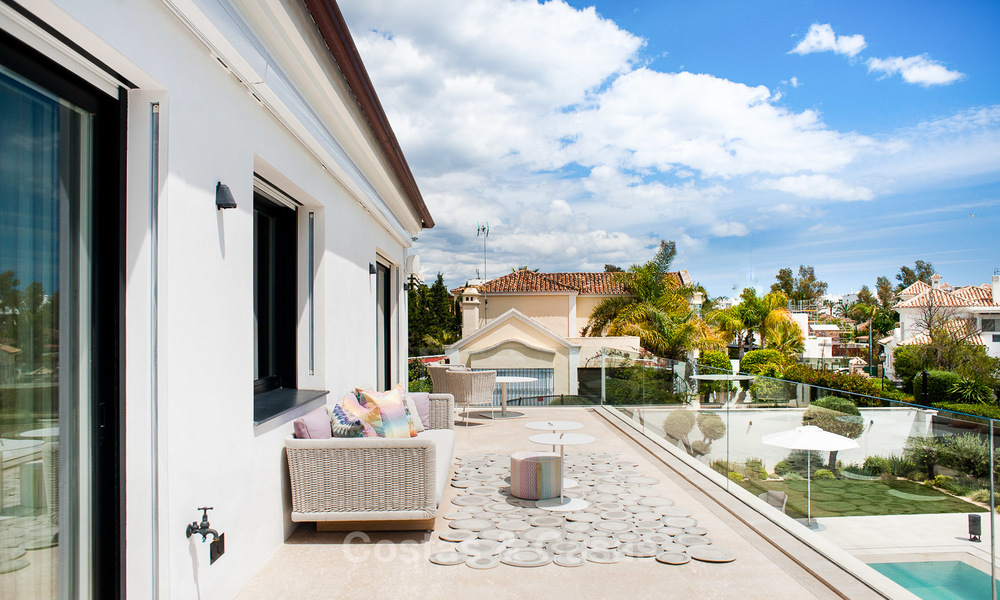 Exceptional, fully renovated beachside villa for sale on the prestigious Golden Mile, Marbella 10130