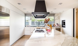 Exceptional, fully renovated beachside villa for sale on the prestigious Golden Mile, Marbella 10147
