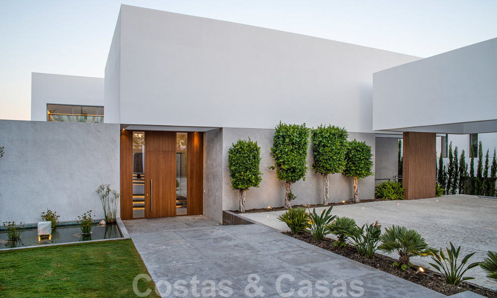 Brand new contemporary luxury villa with panoramic sea views for sale, in an exclusive golf resort, Benahavis - Marbella 26509