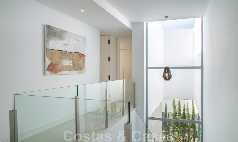 Brand new contemporary luxury villa with panoramic sea views for sale, in an exclusive golf resort, Benahavis - Marbella 26536