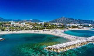 Spectacular frontline beach duplex apartment for sale, in an extraordinary complex, Puerto Banus, Marbella 10208