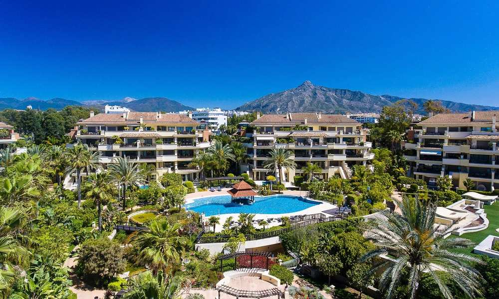 Spectacular frontline beach duplex apartment for sale, in an extraordinary complex, Puerto Banus, Marbella 10217