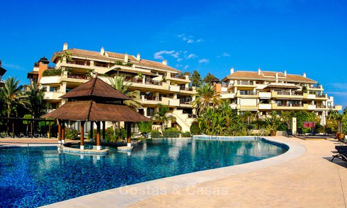 Spectacular frontline beach duplex apartment for sale, in an extraordinary complex, Puerto Banus, Marbella. 10227