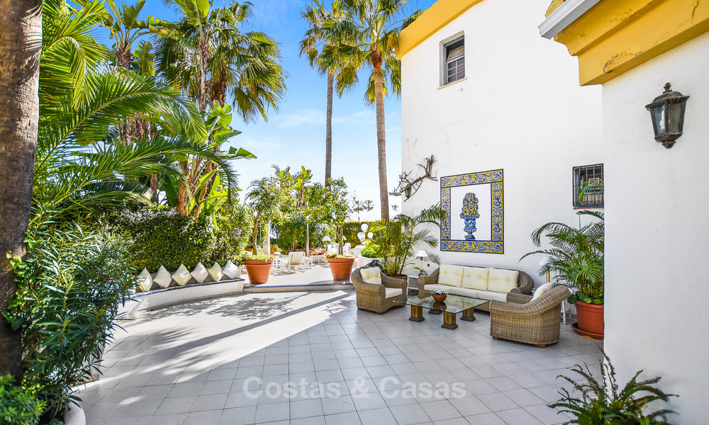 Charming, very spacious duplex ground floor apartment for sale, frontline beach and marina in Cabopino, East Marbella 10244