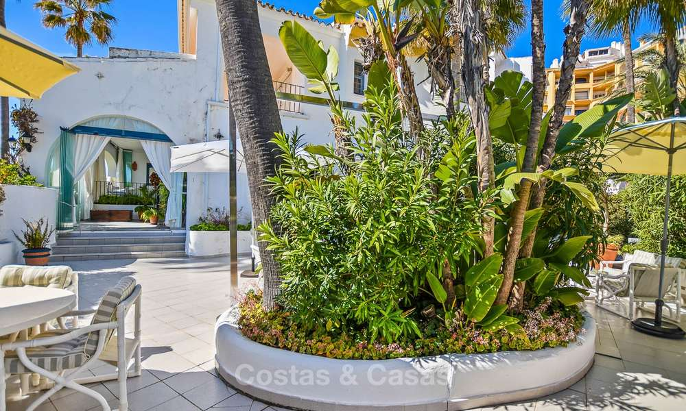 Charming, very spacious duplex ground floor apartment for sale, frontline beach and marina in Cabopino, East Marbella 10252