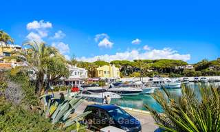 Charming, very spacious duplex ground floor apartment for sale, frontline beach and marina in Cabopino, East Marbella 10263