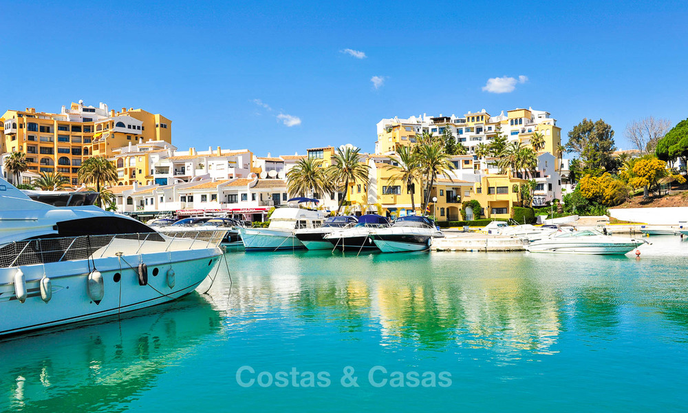 Charming, very spacious duplex ground floor apartment for sale, frontline beach and marina in Cabopino, East Marbella 10269