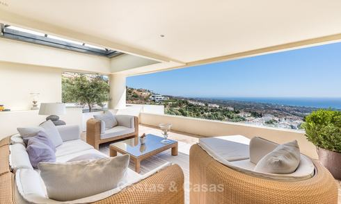 Impressive luxury modern penthouse apartment with panoramic sea views for sale, Marbella East 10292