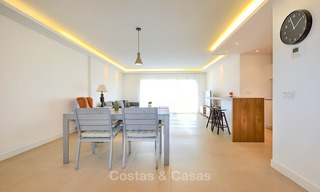 Freshly renovated apartment with open sea views for sale, walking distance to the beach and amenities, Nueva Andalucía, Marbella 10306