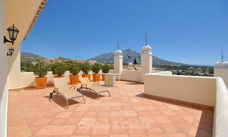 Spectacular penthouse apartment with panoramic sea views for sale, Nueva Andalucía, Marbella 10341