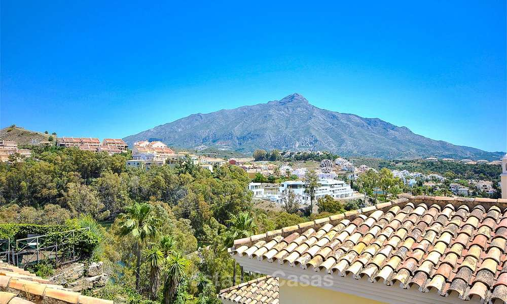 Spectacular penthouse apartment with panoramic sea views for sale, Nueva Andalucía, Marbella 10340