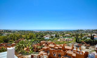 Spectacular penthouse apartment with panoramic sea views for sale, Nueva Andalucía, Marbella 10344