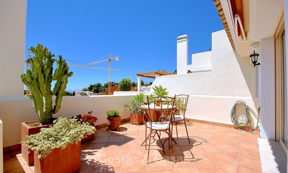 Spectacular penthouse apartment with panoramic sea views for sale, Nueva Andalucía, Marbella 10345