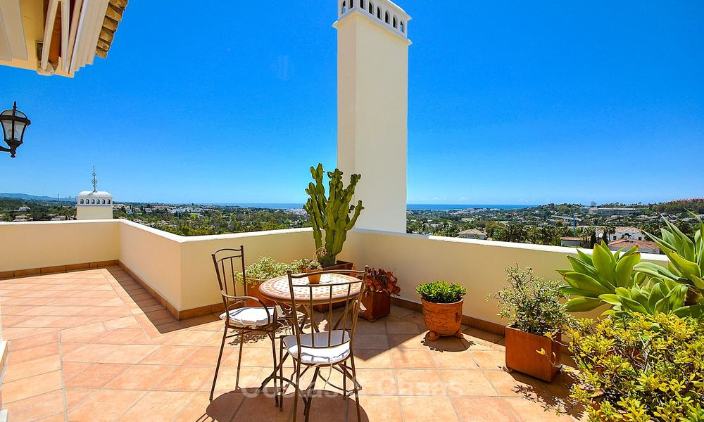 Spectacular penthouse apartment with panoramic sea views for sale, Nueva Andalucía, Marbella 10346