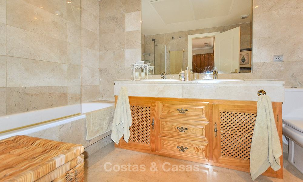 Spectacular penthouse apartment with panoramic sea views for sale, Nueva Andalucía, Marbella 10353