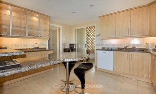 Spectacular penthouse apartment with panoramic sea views for sale, Nueva Andalucía, Marbella 10355