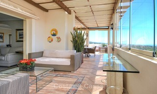 Spectacular penthouse apartment with panoramic sea views for sale, Nueva Andalucía, Marbella 10360