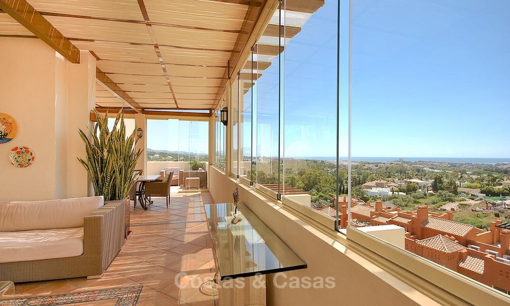 Spectacular penthouse apartment with panoramic sea views for sale, Nueva Andalucía, Marbella 10361