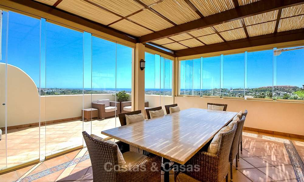 Spectacular penthouse apartment with panoramic sea views for sale, Nueva Andalucía, Marbella 10363