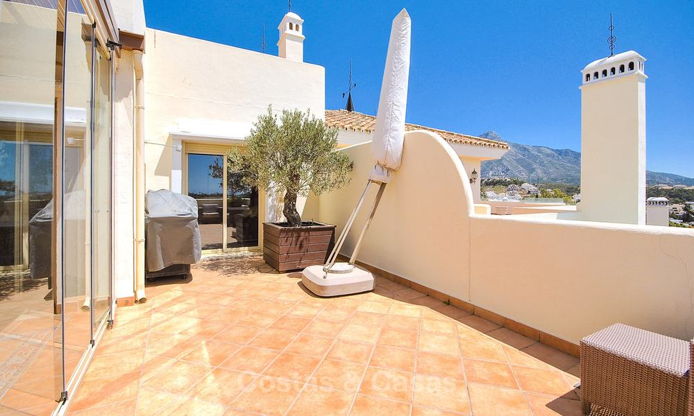 Spectacular penthouse apartment with panoramic sea views for sale, Nueva Andalucía, Marbella 10364