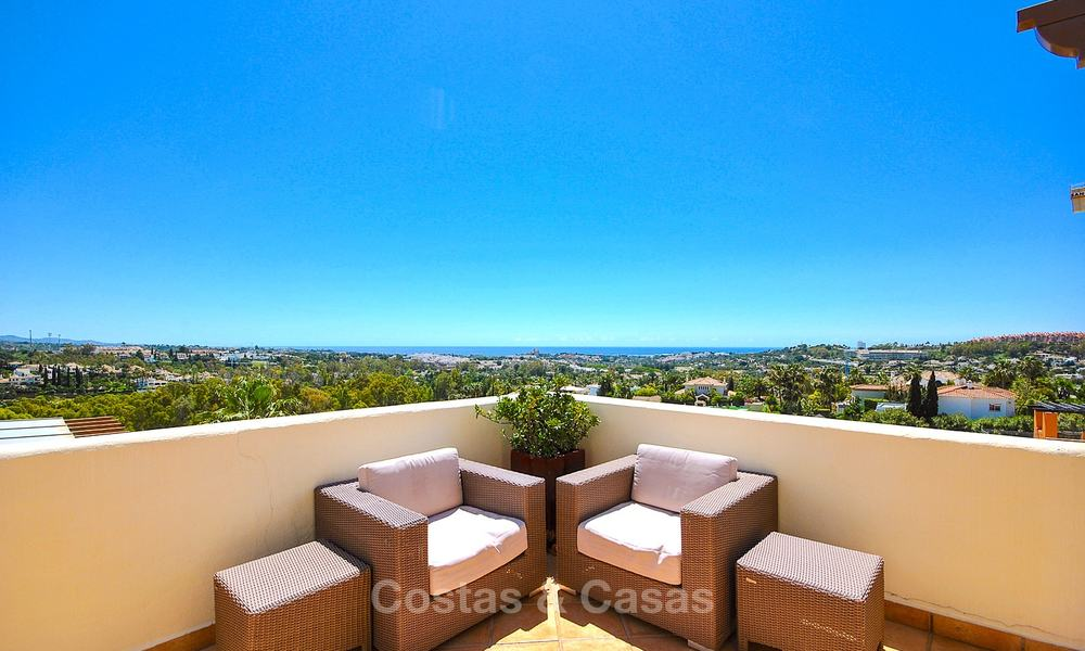 Spectacular penthouse apartment with panoramic sea views for sale, Nueva Andalucía, Marbella 10366