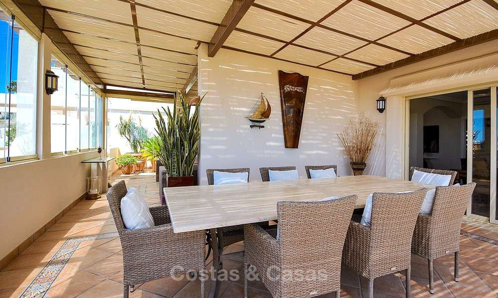 Spectacular penthouse apartment with panoramic sea views for sale, Nueva Andalucía, Marbella 10367