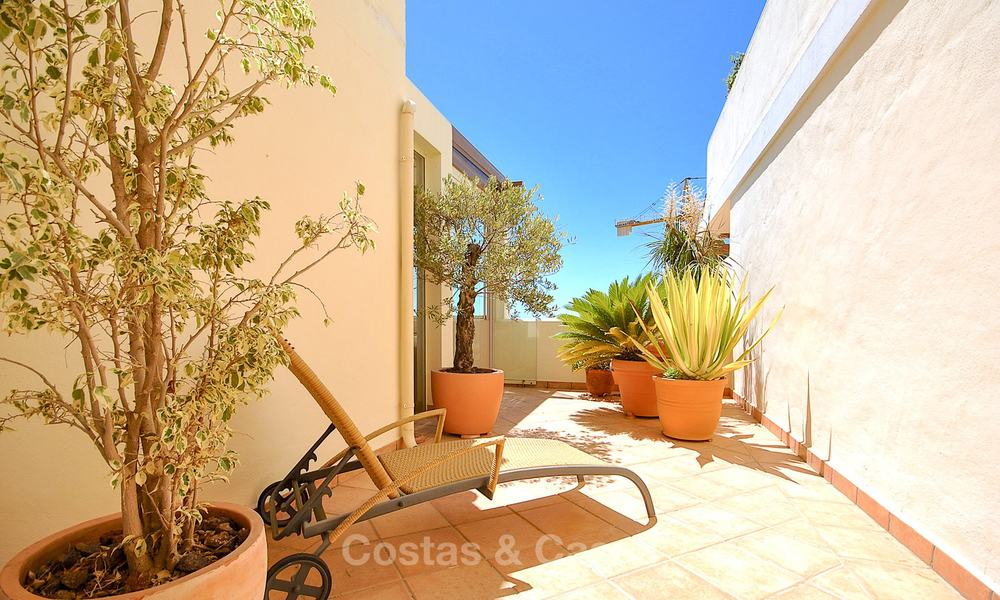 Spectacular penthouse apartment with panoramic sea views for sale, Nueva Andalucía, Marbella 10374