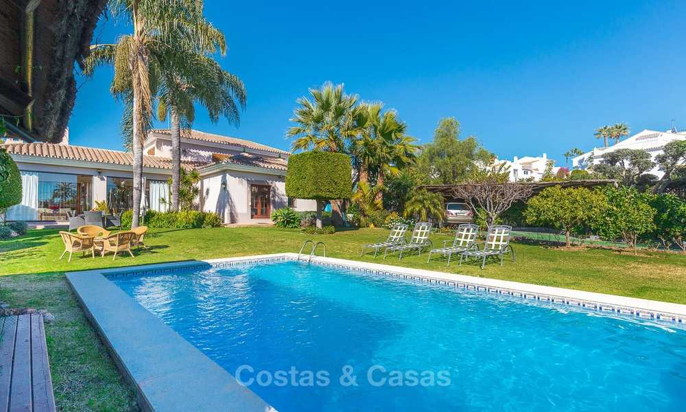 Andalusian style villa in an upscale golf urbanisation for sale, walking distance to amenities - Golf Valley, Nueva Andalucía, Marbella 10488