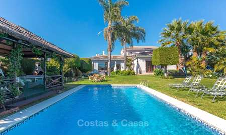 Andalusian style villa in an upscale golf urbanisation for sale, walking distance to amenities - Golf Valley, Nueva Andalucía, Marbella 10489