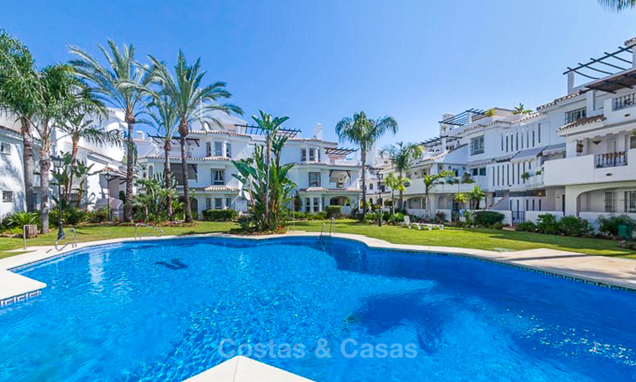 Renovated townhouse in a popular development for sale, walking distance to the beach and Puerto Banus, Marbella 10601