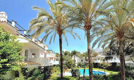 Conveniently located apartment in a popular development for sale, walking distance to Puerto Banus and the beach - Nueva Andalucia, Marbella 10603