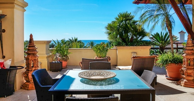 Exclusive frontline beach penthouse apartment with sea views for sale - Puerto Banus, Marbella 10676