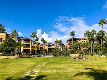Opportunity: attractively priced quality apartment in a luxury beachfront complex for sale – San Pedro, Marbella 10722