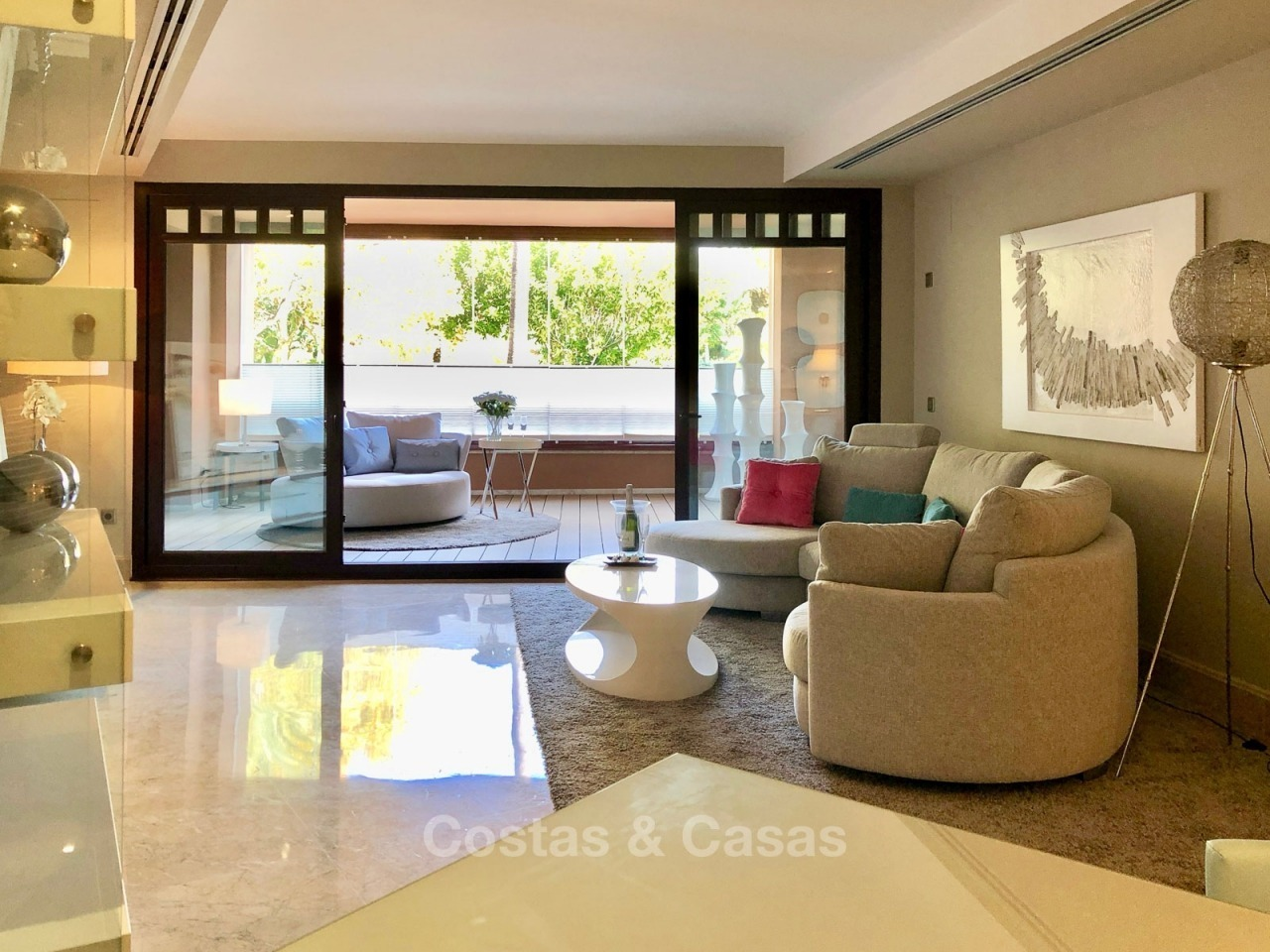 Opportunity: attractively priced quality apartment in a luxury beachfront complex for sale – San Pedro, Marbella 10733