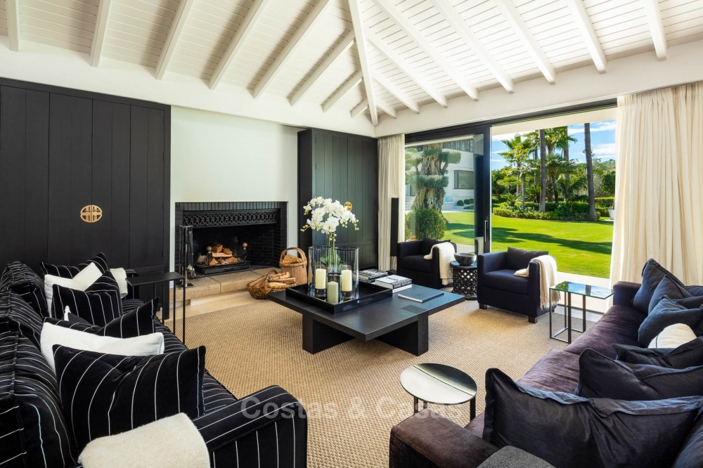 Palatial frontline golf villa for sale in Las Brisas Golf, Nueva Andalucia, Marbella 10869